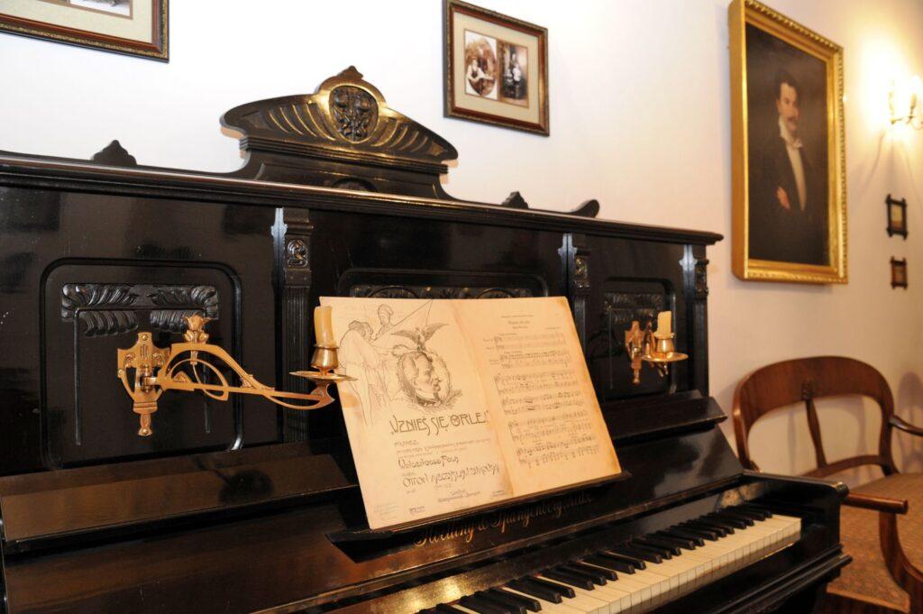 kliknięcie spowoduje powiększenie, pianino