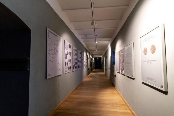kliknięcie spowoduje powiększenie, widok końcowych plansz wystawy