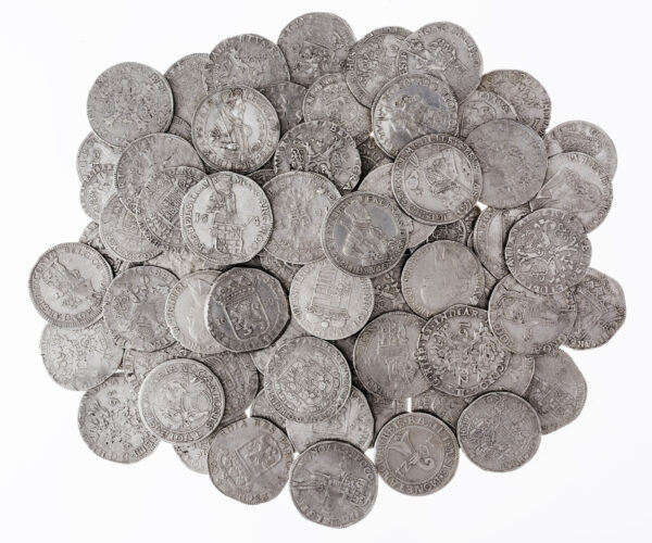 kliknięcie spowoduje powiększenie, rozsypane monety