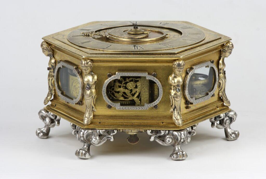 Zegar stołowy tzw. kaflowy
